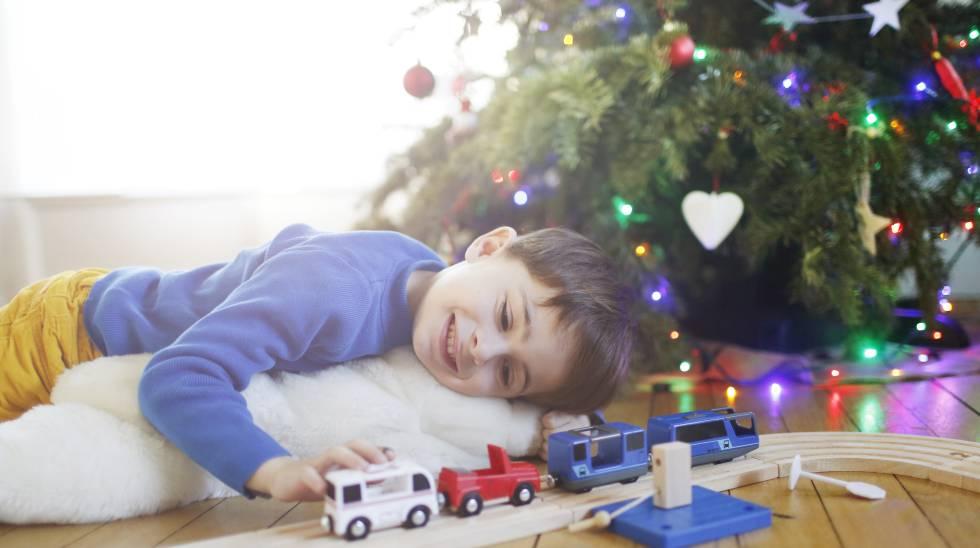 Papá Noel y los Reyes traen más juguetes, pero se quedan sin niños