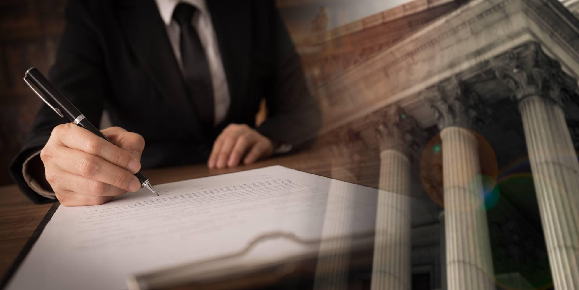 La justicia absuelve a un abogado que acusó a un juez de prevaricar