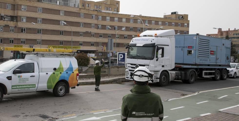 Apoyo de Iberdrola al suministro eléctrico en el Hospital Universitario de Salamanca.