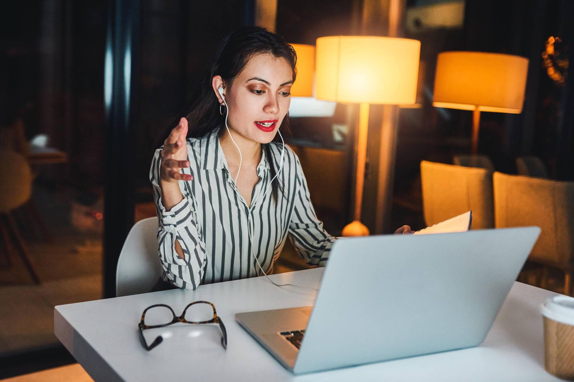 Abogados cansados del Zoom: consejos para evitar la fatiga digital