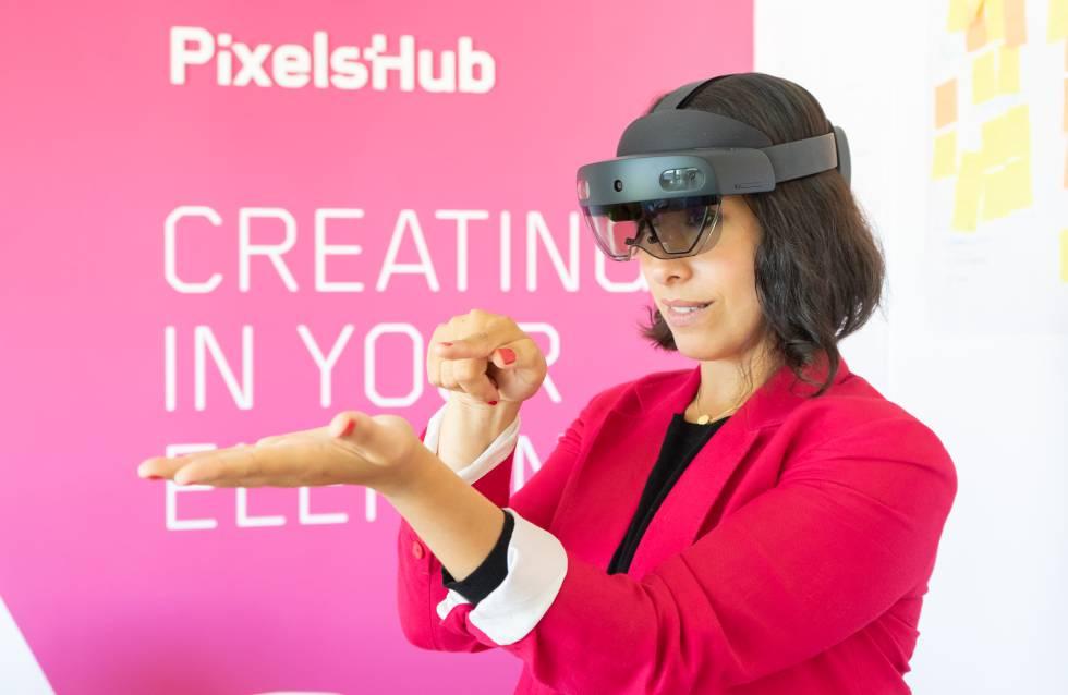 PixelsHub HoloLens