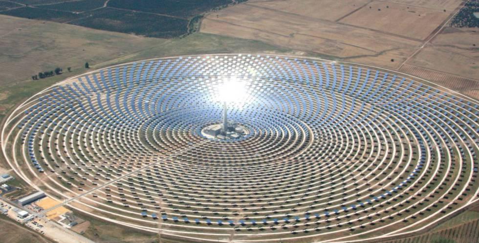 El Ejecutivo activa 136 millones en ayudas a renovables en Andalucía y Extremadura
