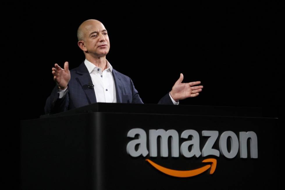 Jeff Bezos, during an Amazon presentation.