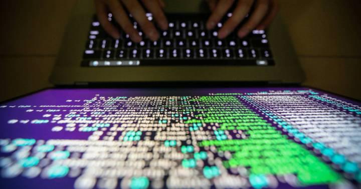 En julio de este año, el Tribunal de Justicia de la Unión Europea (TJUE) dictó una sentencia en la que invalidaba el Privacy Shield (en español, escudo de privacidad), el acuerdo entre Estados Unidos y la UE para regular las transferencias de datos entre ambos territorios. Los magistrados comunitarios consideraron que el sistema no cumplía…