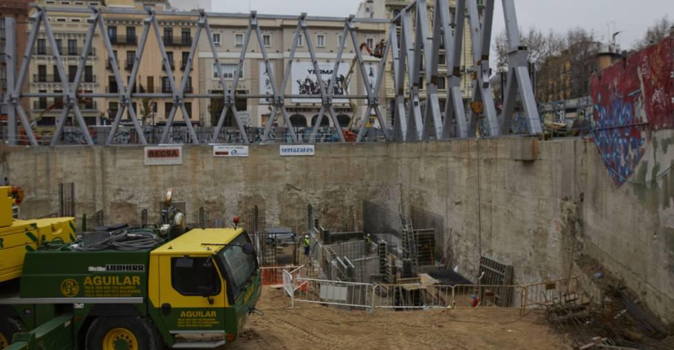 Obras de construcción del nuevo Centro Deportivo Municipal La Cebada, en Madrid (España).
