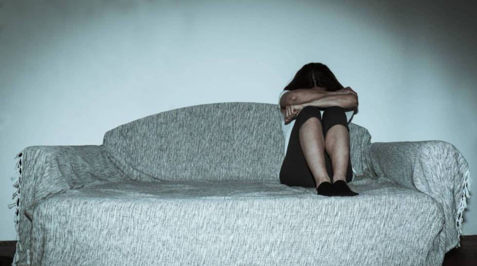 Una víctima de violencia de género es despedida por no ir a trabajar tras una agresión