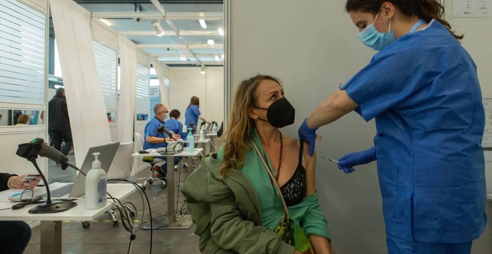 Sanidad registra 4.941 nuevos contagios y 205 fallecidos