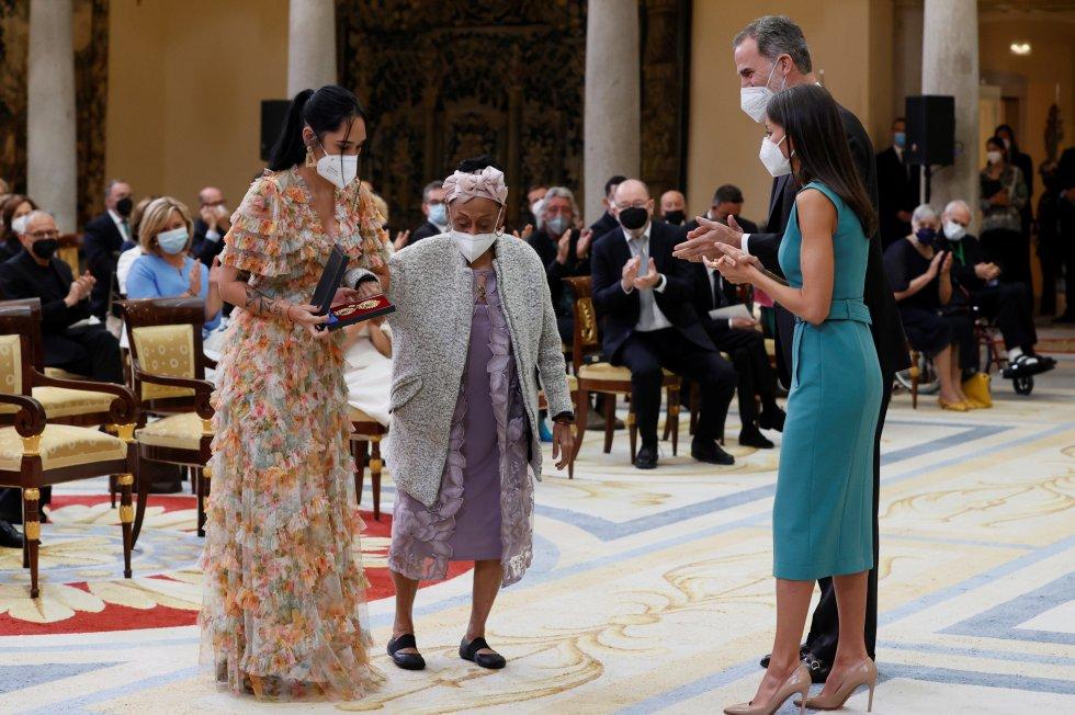 König Felipe VI. und Königin Letizia in Madrid die Goldenen Verdienstmedaillen für die schönen Künste 2018 und 2019 | Bildquelle: https://cincodias.elpais.com/cincodias/2021/06/23/album/1624474130_184671.html#foto_gal_3 © Na | Bilder sind in der Regel urheberrechtlich geschützt