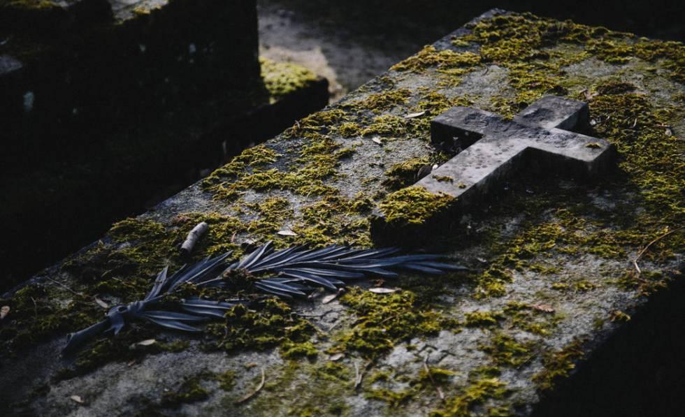 Lápida de un cementerio.