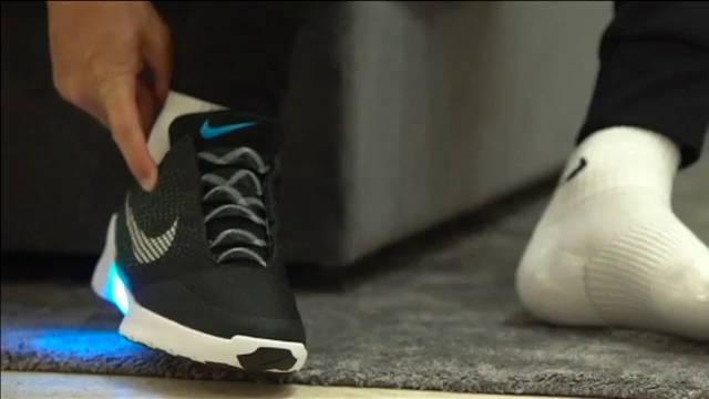 Zapatillas Deportivas Que Inventa Nike Atan Las Se Solas b7fY6gy